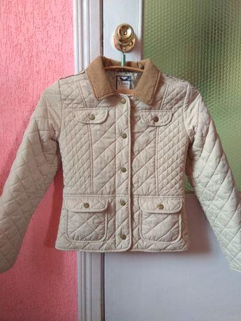 Бежевая курточка