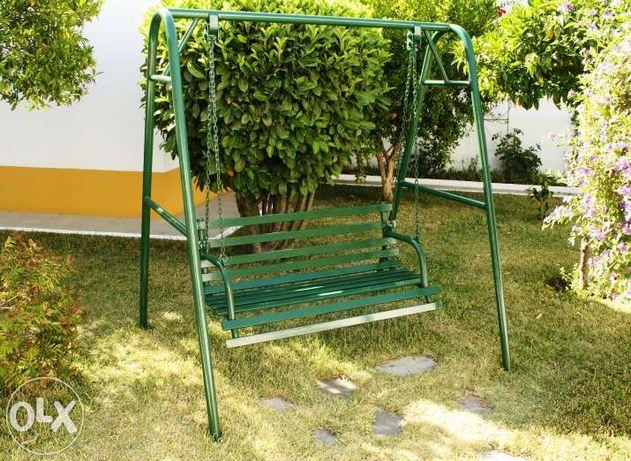 Baloiço de Jardim em Ferro