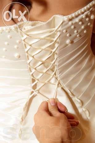платье для КОРОЛЕВЫ!!!дарю фату и рукавички