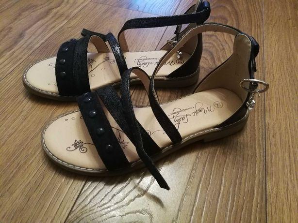 Sandałki rozmiar 32