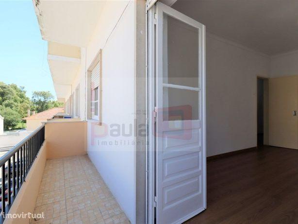 Apartamento T2 para arrendamento Montijo