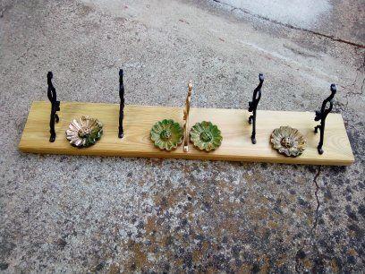 Cabide em madeira maciça feito à mão, novo!