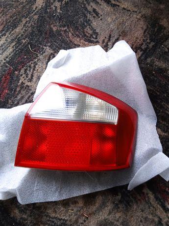 Lampa tył prawa audi a4 b6 sedan