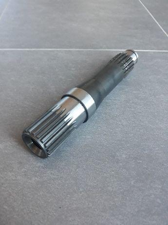 Wałek napędowy Kemper M4500 LCA64765 sieczkarni Claas Jaguar