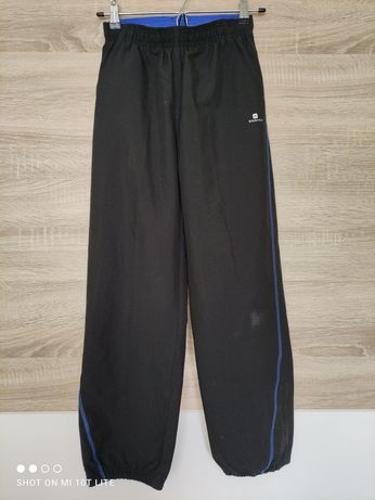 Spodnie dresowe 152