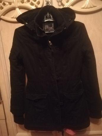 Куртка на дівчину