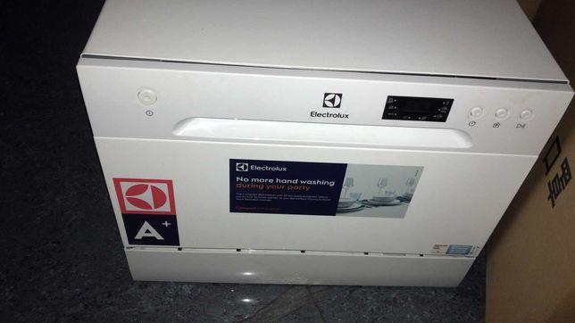 Посудомоечная машина ELECTROLUX ESF 2400 OS