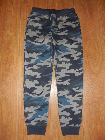 Продаю камуфляжные штаны *Terranova* , 10-11 лет (Новые)