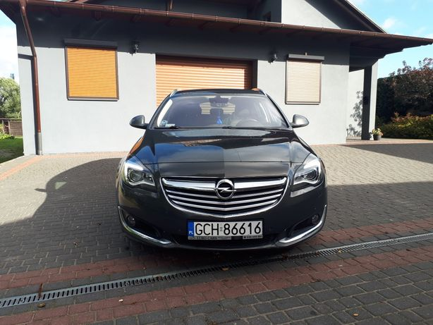 Opel Insignia. Bezwypadkowa