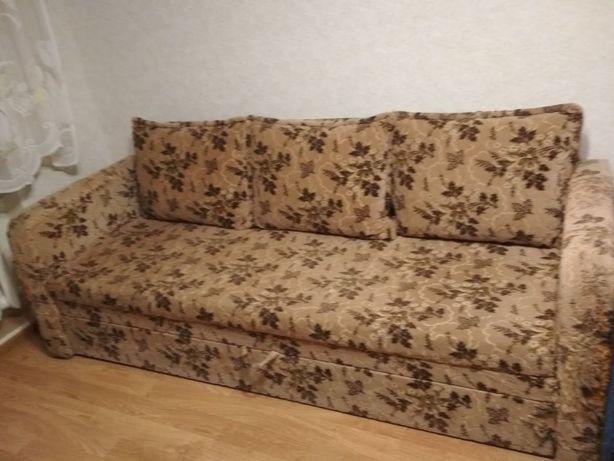 Раскладной диван софа с подушками и ящиками для белья