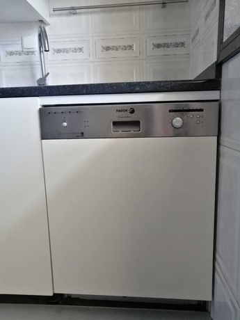 Máquina lavar loiça encastravel