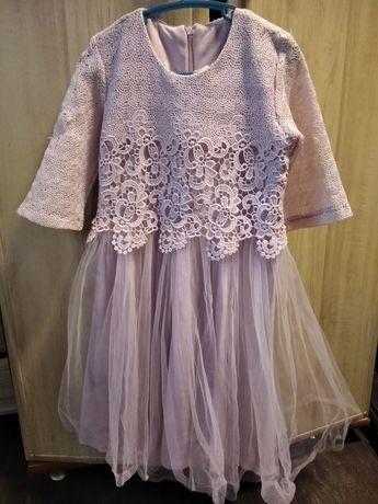 Нарядное платье рост 140