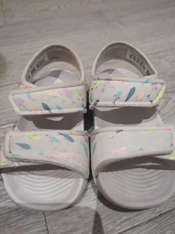 Sandałki piankowe 21