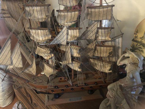 Barcos decorativos antigos
