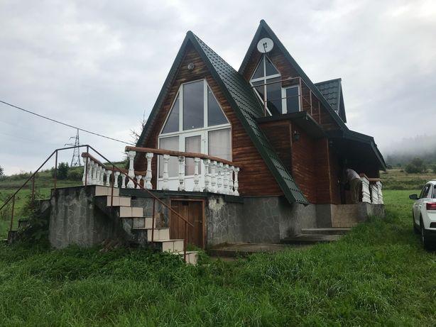 Стильний будинок для відпочинку в Карпатах