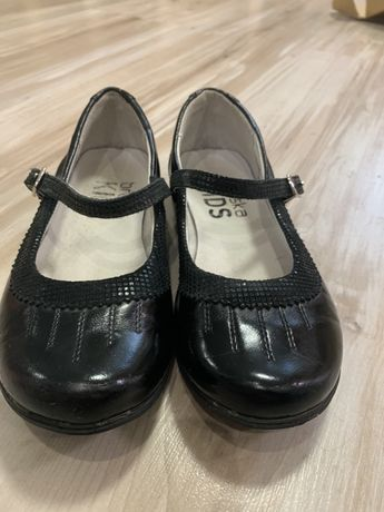 Кожаные туфли туфельки сменка Braska 19-19,5 cм