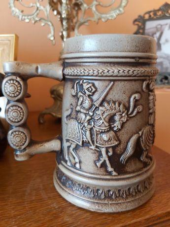 Kufel kolekcjonerski ceramiczny rycerski. Bavaria.