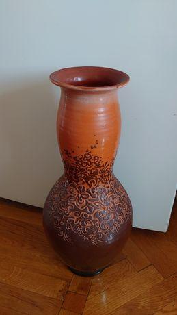 Ваза з глини. Глиняна ваза