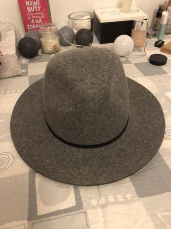 Piękny kapelusz REVIEW jak nowy