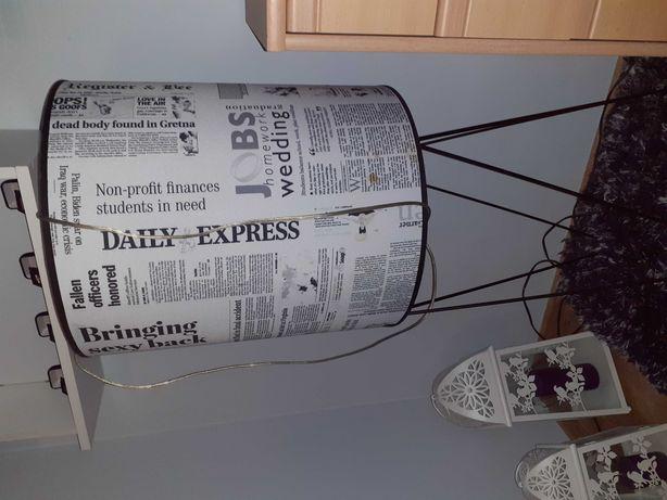 Lampa  stojącą nowoczesna