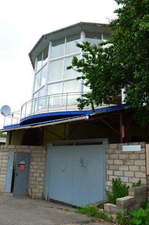 Продам 3-х этажный дом в центре города по ул. Магнитогорская.