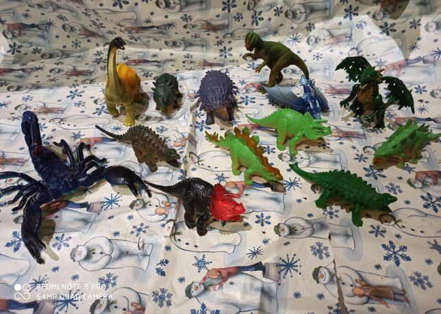 Разные животные динозавры, дракон ,заяц