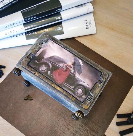 Оригинальная подставка - органайзер под канцелярию(пульты). Ретро авто