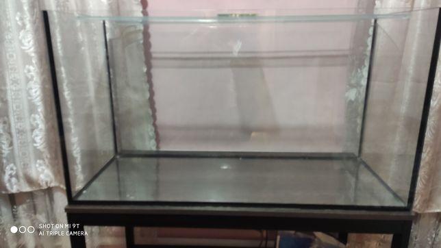 Продам  действующий аквариум 200 литров, прямоугольный