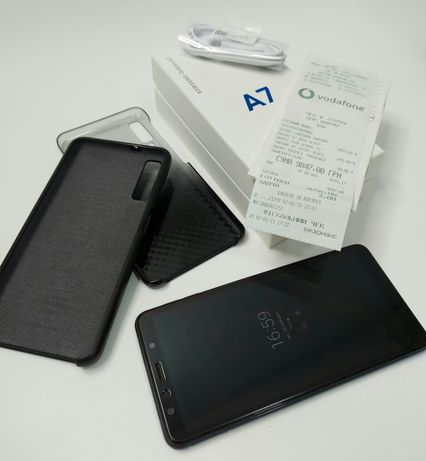 Продам Samsung Galaxy A7 2018 черный, документы, отличное состояние