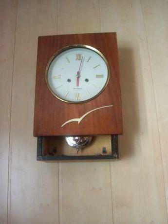 Часы настенные Янтарь, СССР, раритетные с боем
