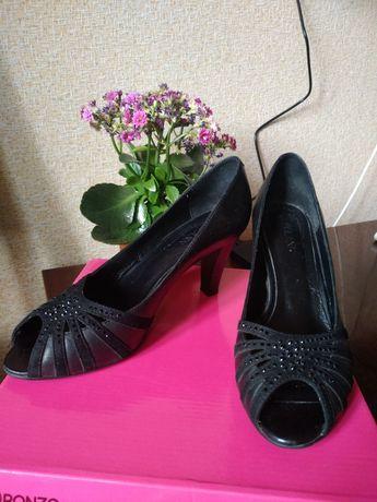 Продам туфли 39 р-р