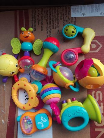 Погремушки Huile Toys нота, конфета, шарик, бабочка, осьминог, гантеля
