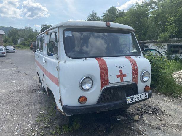 На ходу УАЗ 452 1995р.питання по телефоні і Удск ціла або деталі