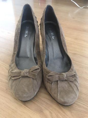 Sapatos camurça Bianca 38 novos