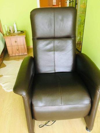 Fotel geriatryczny ,skórzany, elektryczny