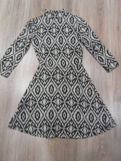 Платье теплое черно-белое