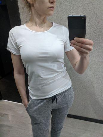 Новая белая базовая футболка