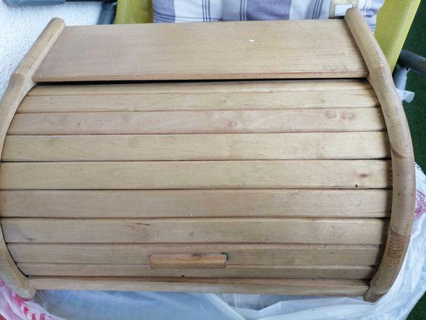 Chlebak używany, drewniany.