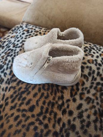 тапочки, ботинки, демисезонные на девочку