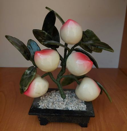Фарфоровая фигурка дерево с ягодами