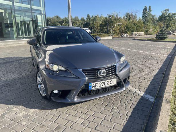 Продам Lexus is 200t 2016 года