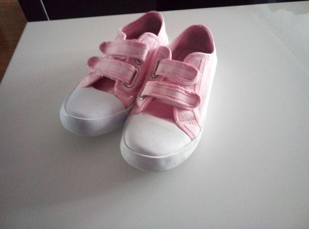 Buty typu trampki ( różowe )