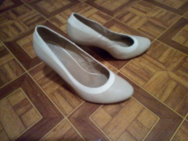 Туфли нежные бежевые
