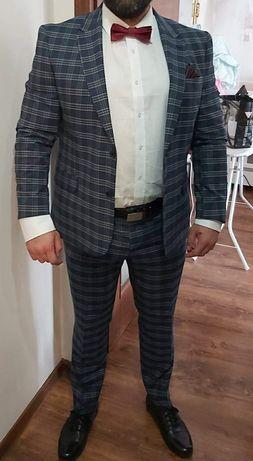Garnitur, koszula, mucha, poszetka i pasek Paco Lorente