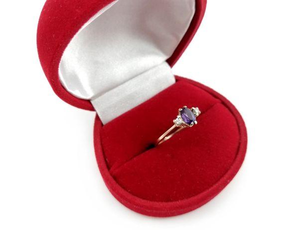 Złoty pierścionek z CYRKONIAMI 585 1,77G R16
