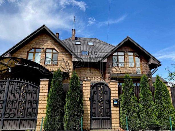 Дом в с. Гатное (303м2), Территория - 8 сот.