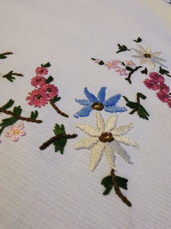 Obrus 73x70  kwiaty haft Vintage prowansalski shabby chic
