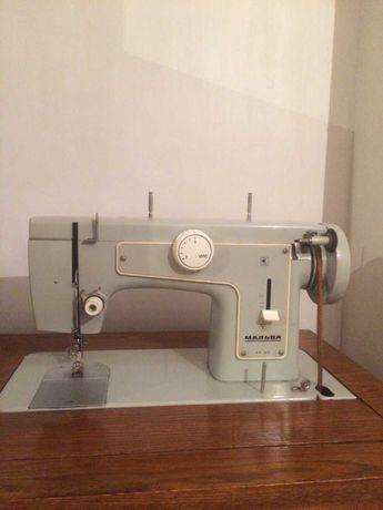 Продам швейную машинку МАЛЬВА