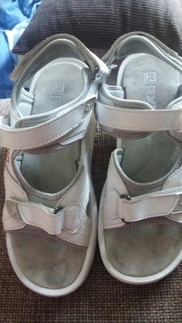 """Buty modelujace sylwetka i rehabilitacyjne""""lodkowate"""" oryginalne RYN"""