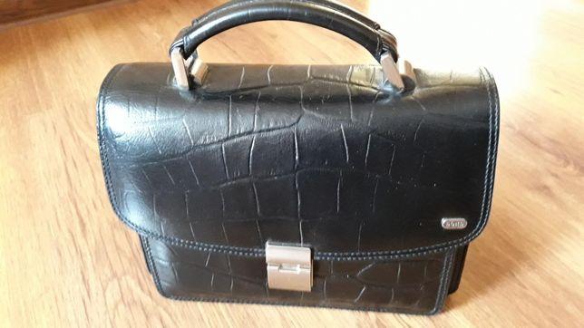 Продам мужскую сумку-барсетку из натуральной кожи